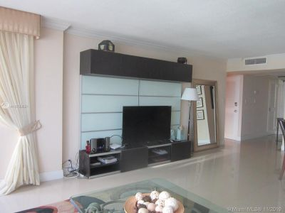 5225 Collins Ave #1518 photo07