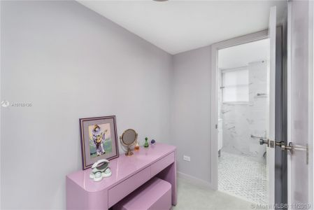 5555 Collins Ave #8N photo010