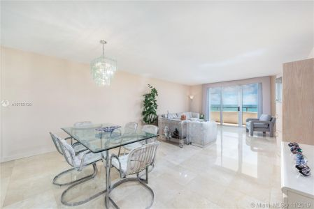 5555 Collins Ave #8N photo05