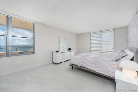 5555 Collins Ave #8N photo07