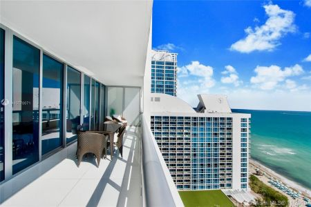 6799 Collins Ave #1704 photo014