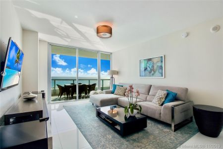 6799 Collins Ave #1704 photo02