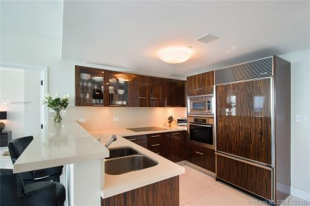 6799 Collins Ave #1704 photo08