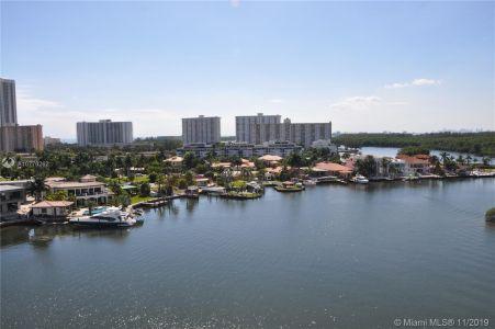 400 Sunny Isles Blvd #917 photo01