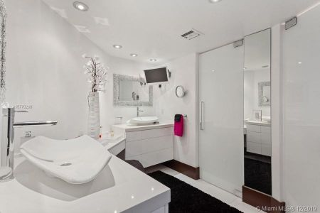 8925 Collins Ave #5A photo030