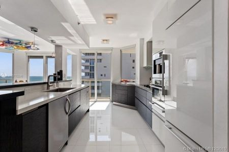 8925 Collins Ave #5A photo08