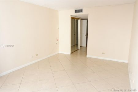 6039 Collins Ave #1407 photo066