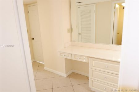 6039 Collins Ave #1407 photo069