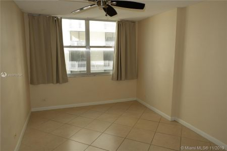 6039 Collins Ave #1407 photo070