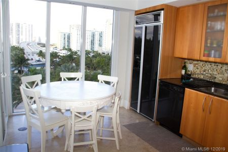 19111 Collins Ave #504 photo017