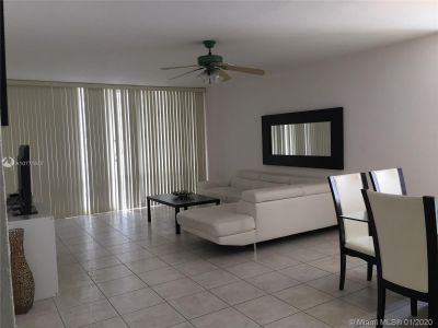 5601 Collins Ave #825 photo012