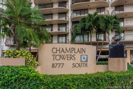 8777 Collins Ave #511 photo024