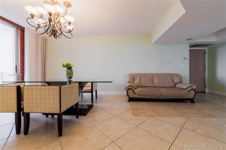 16425 Collins Ave #318 photo041