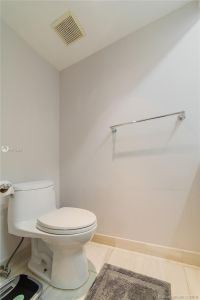 16425 Collins Ave #318 photo07
