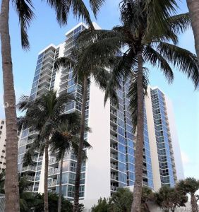2655 COLLINS AVE #801 photo01