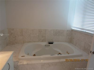 1331 Brickell Bay Dr #502 photo010