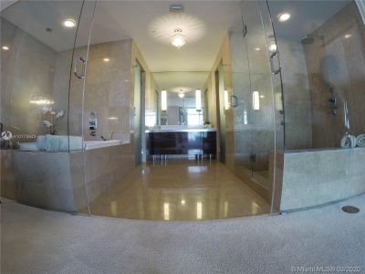 3737 Collins Ave #403 photo012
