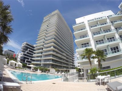 3737 Collins Ave #403 photo02