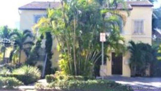 Ocean Beach - 934 Lenox, Miami Beach, FL 33139