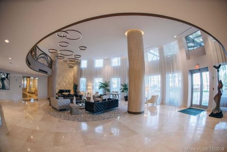 17555 Collins Ave #208 photo04