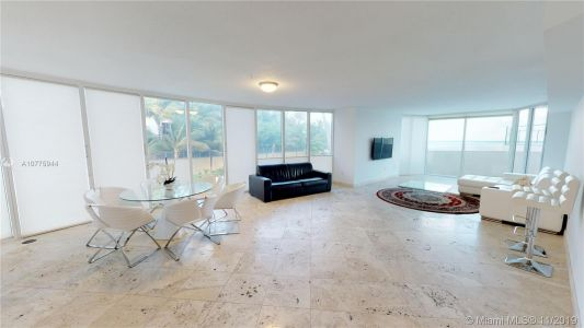 17555 Collins Ave #208 photo09