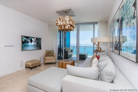 17121 Collins Ave #1503 photo019