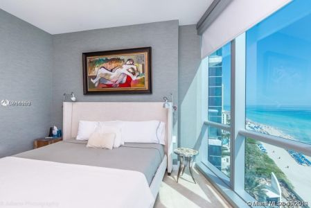 17121 Collins Ave #1503 photo02