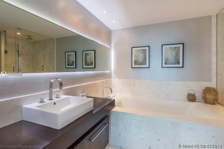 17121 Collins Ave #1503 photo07