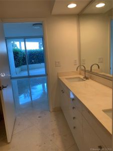 19111 Collins Ave #103 photo012
