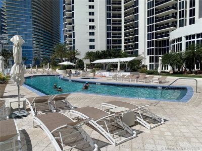 19111 Collins Ave #103 photo017