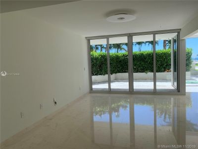 19111 Collins Ave #103 photo021