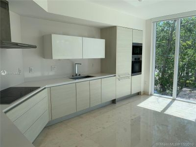 19111 Collins Ave #103 photo07