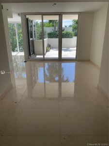 19111 Collins Ave #103 photo09