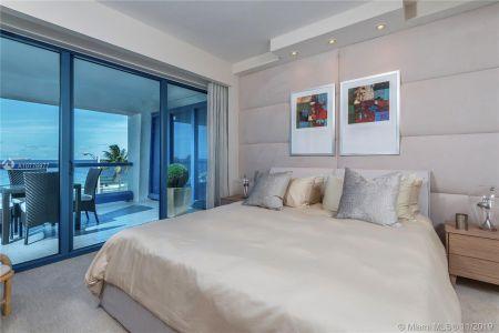 551 N Fort Lauderdale Beach Blvd #R606 photo013
