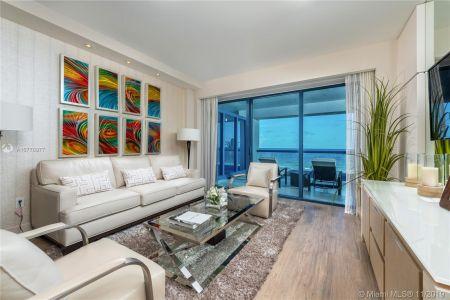 551 N Fort Lauderdale Beach Blvd #R606 photo05