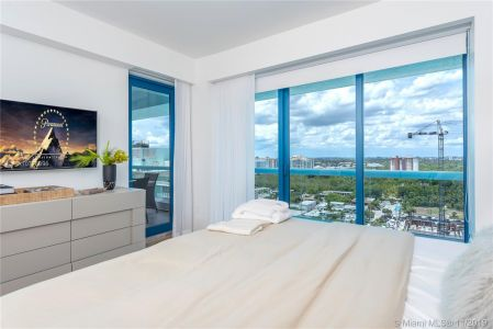 551 N Fort Lauderdale Beach Blvd #H1017 photo012