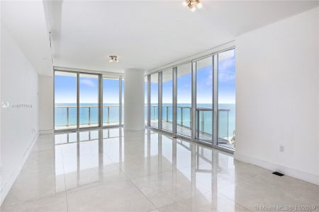 17001 Collins Ave #801 photo04