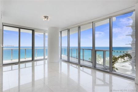 17001 Collins Ave #801 photo05