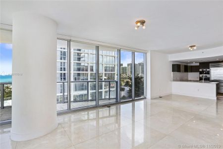17001 Collins Ave #801 photo06