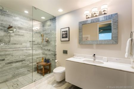 10201 Collins Ave #1706 photo014