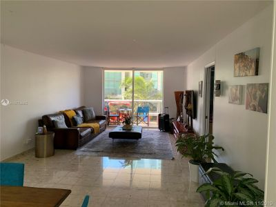 6039 Collins Ave #529 photo014