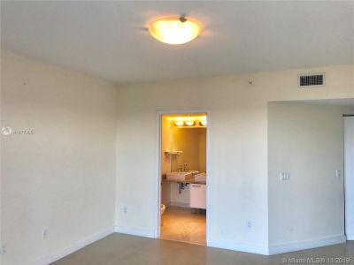 185 SW 7th St #3503 photo06