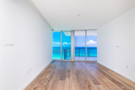 17121 Collins Ave #1507 photo026