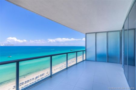 17121 Collins Ave #1507 photo027