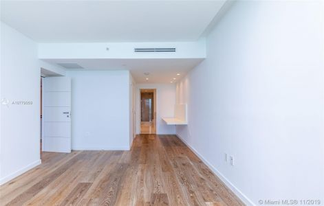 17121 Collins Ave #1507 photo029