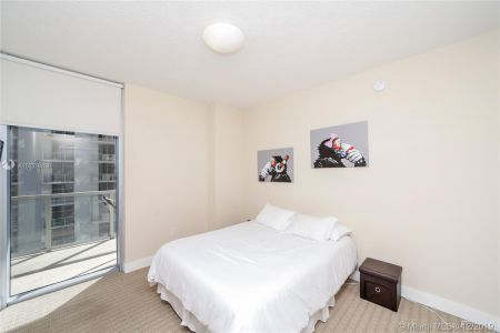 1050 Brickell Ave #2510 photo014