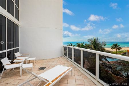 18201 Collins Ave #508 photo013