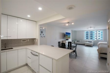 2301 Collins Ave #1014 photo09
