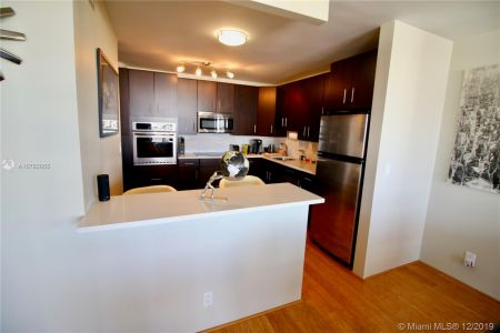 900 Bay Dr #403A photo09