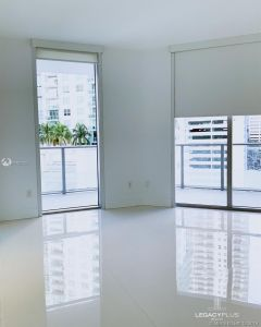 1300 Brickell Bay Dr #910 photo013